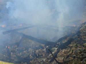 Vezirköprü'de Çıkan Yangında 2 Ev 1 Ambar Yandı