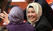 AK Partili Kadın Milletvekilleri TBMM'ye Türbanla Girdi