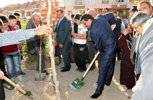 Keçiören'de Aşık Veysel Parkı ve Atapark Mahalle Konağı Açıldı