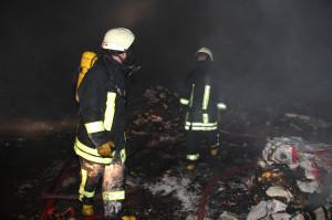 Samsun'da Geri Dönüşüm Deposunda Yangın Çıktı
