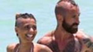 Fenerbahçeli Futbolcu Raul Meireles'in Eşinin Çantası Dikkat Çekti