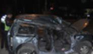 Kütahya'da Yoldan Çıkan Araç Cezaevi Duvarına Çarptı