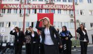 Polislerden İşaret Diliyle İstiklal Marşı