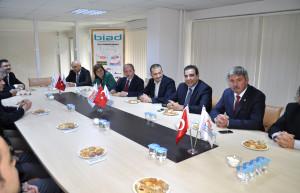 CHP Genel Başkan Yardımcısı Toprak: İş İnsanları Siyasete Uyarı Fişeği Atmalı