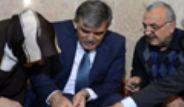 Cumhurbaşkanı Gül, Taşçı Konağı'nda Bakır İşledi