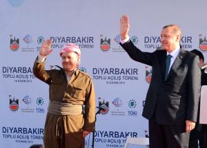 Başbakan Erdoğan, Barzani ile Birlikte Vatandaşları Selamladı