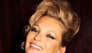 Ünlü Şarkıcı Kate Moss Objektif Karşısına Geçti