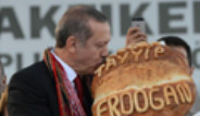 Başbakan'a İsmi Yazılı Olan Vakfıkebir Ekmeği Hediye Edildi