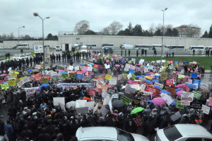 AK Parti Kadın Kollarından 'Kamer Genç' Protestosu