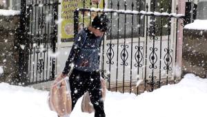 Karlıova'ya Mevsimin İlk Karı Yağdı
