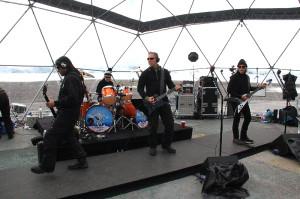 Bir İlk: Metallica, Antarktika'da Konser Verdi