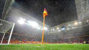 Tt Arena'da Yoğun Kar Yağışı