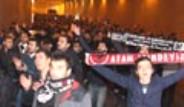 Beşiktaş Taraftarı TOMA'lar Eşliğinde Yürüdü