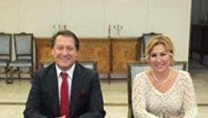 Ahmet Özhan Sevgilisi ile Kıbrıs'ta Evlenmiş