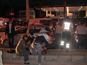 Freni Patlayan Kamyon Işıkta Bekleyen Araçlara Çarptı: 1 Ölü, 10 Yaralı (2)