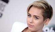 Miley Cyrus Kellan Lutz'la Samimi Bir Şekilde Görüntülendi