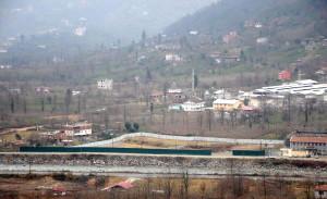 Arhavi'de Hes'e Onay Çıktı, Mahallenin Ortası Bariyerle Çevrildi