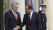 Fransa Cumhurbaşkanı Hollande Yurtdışında da Sevilmiyor