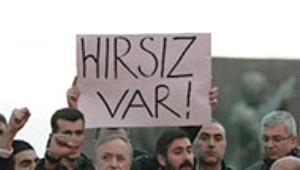 Türkiye'deki Operasyonun Dünyadaki Yankıları Sürüyor