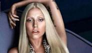 Lady Gaga Versace Markası İçin Soyundu