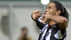 Beşiktaş Ronaldinho'nun İmzasını Bekliyor