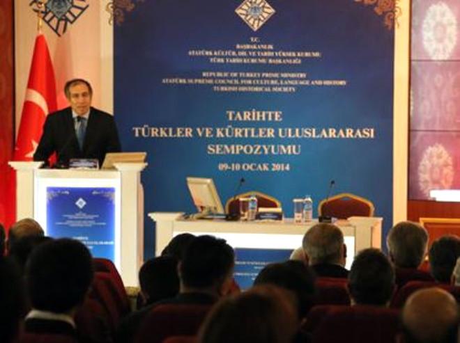 'Tarihte Türkler ve Kürtler' Konulu Sempozyum Düzenlendi