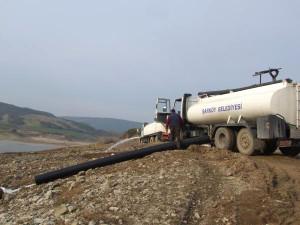 Şarköy'de Kuruyan Gölete 25 Bin Ton Su Taşındı