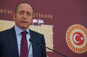 CHP'li Akif Hamzaçebi: HSYK'daki Gibi TSK'nın Terfi Sistemini Bozacak