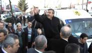 Cuma Namazı Çıkışı Mustafa Sarıgül'e Tepki Gösterildi