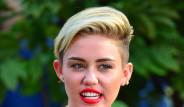 Miley Cyrus Amerika'da Alay Konusu Oldu