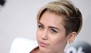Miley Cyrus'dan, Kendisini Eleştirenlere Küfürlü Yanıt