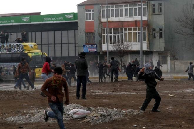 Abdullah Öcalan'ın Türkiye'ye Getirilişi Protesto Edildi