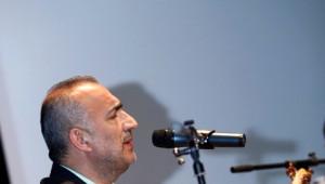 Bağlamanın Üstadı Erdal Erzincan'dan Müzik Şöleni