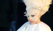 Brit Ödülleri'nde Geceye Damga Vuran Elbiseler