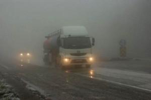 Bolu'da Kar Yağışı ve Sis Ulaşımı Etkiledi