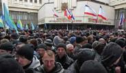 Kırım'da Başbakanlık Sarayı Ele Geçirildi
