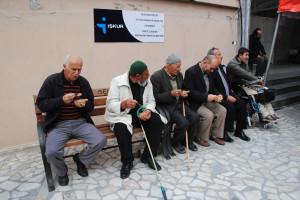 Agd'liler, Merhum Erbakan İçin 2 Bin Kase Helva Dağıttı