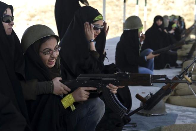 İran'ın Silahlı Kadınları