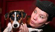 İngiliz Kadın Köpeğiyle Evlendi