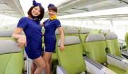 Japon Hosteslerin Mini Etek İsyanı
