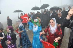 Vali İpek Güçlükonak'ta Açılış ve Temel Atma Törenine Katıldı