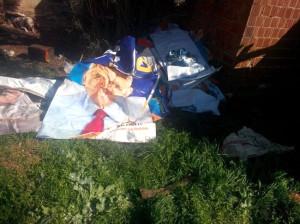 Bayındır'da AK Parti Bayrakları Çayırdan Çıktı