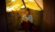 Nepal'de Adetli Kadınlar Lanetli Kabul Ediliyor