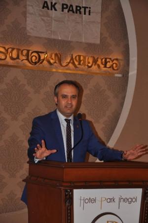 İnegöl Belediye Başkanı Alinur Aktaş'tan Zafer Yemeği