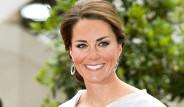 Kate Middleton Eteği Açılınca Zor Anlar Yaşadı