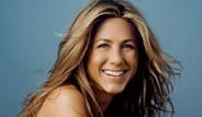 Jennifer Aniston Film Çekimi İçin Tanınmaz Hale Geldi