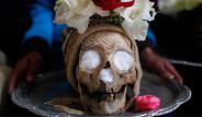 Bolivya'da Her Yıl Düzenlenen Ürkütücü Gelenek