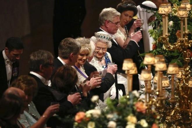 İngiltere'de Tarihi Barış Yemeği