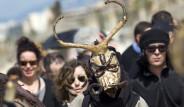 İspanya'da İlginç Çevreci Protesto