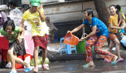Asya'da Su Festivali kutlanıyor